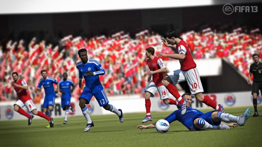 FIFA 13 Contain Defending