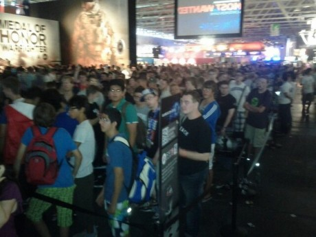 FIFA 13 Queue At Gamescom  FIFA 13 Gameplay Footage FIFA 13 Queue At Gamescom